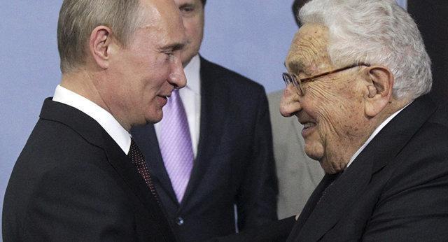 کرملین: کیسینجر شناخت عمیقی درباره روسیه دارد