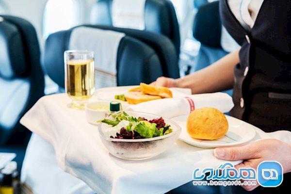 چه مواقعی برای خوردن غذا در سفر با هواپیما بهتر است؟