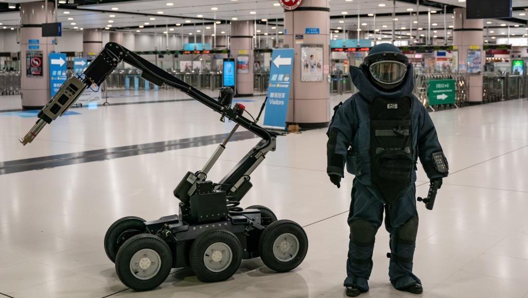 3 کشور عربی با رباتها به جنگ کرونا می فرایند