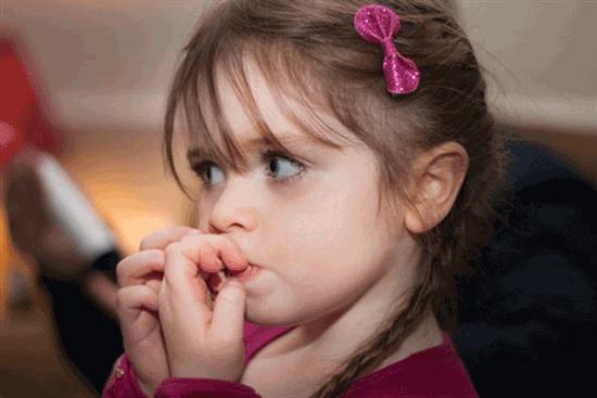 علائم فیزیکی اضطراب در بچه ها
