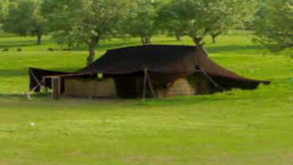 احیای هنر بافت سیاه چادر در خرامه