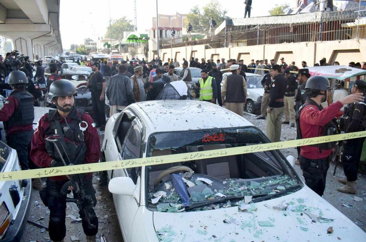 یک کشته 14 زخمی در انفجار پاکستان