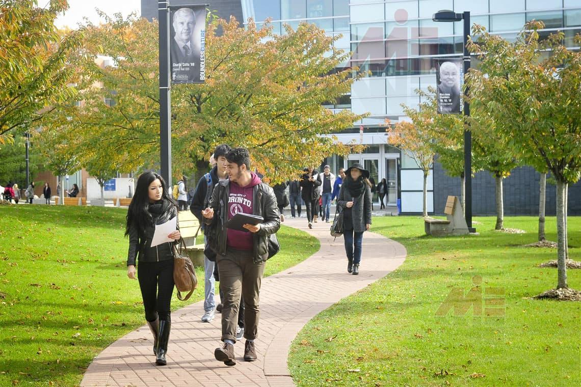 دانشگاه های کانادا به دلیل پاندمی کووید-19 با ضرر چند میلیارد دلاری روبه رو می شوند