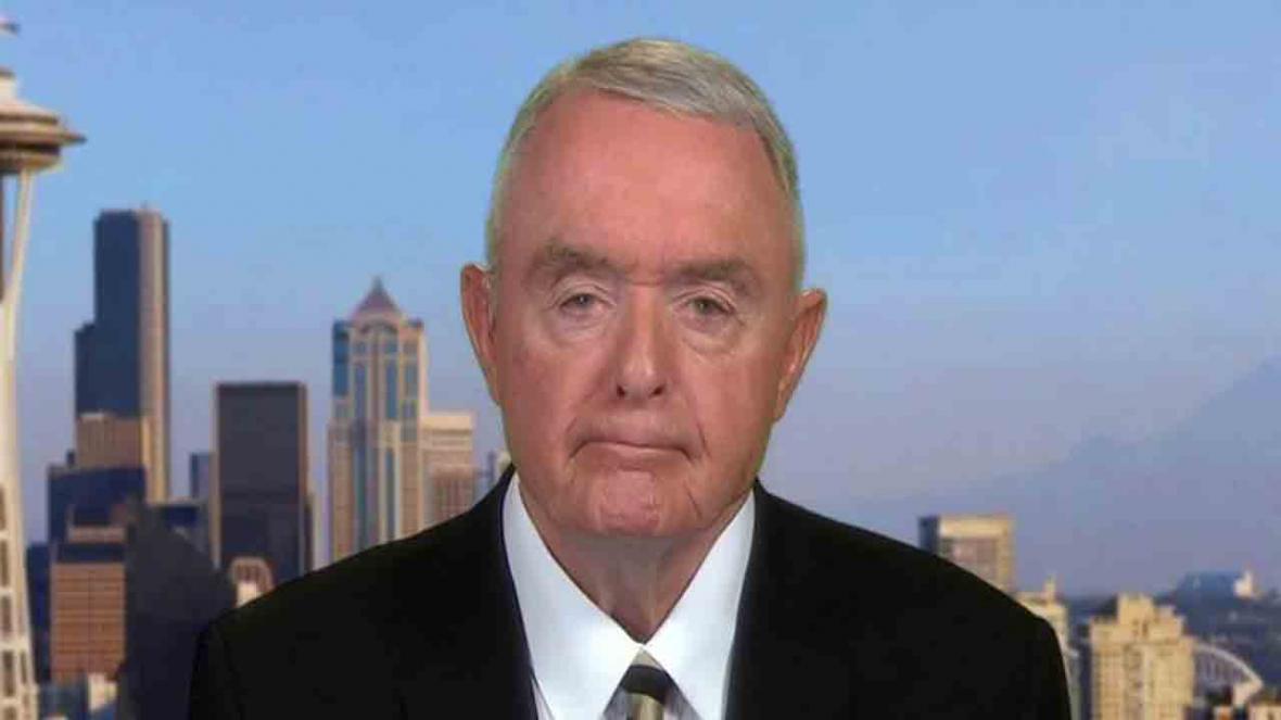 ژنرال آمریکایی: ترامپ ایالات متحده را به آتش کشیده است