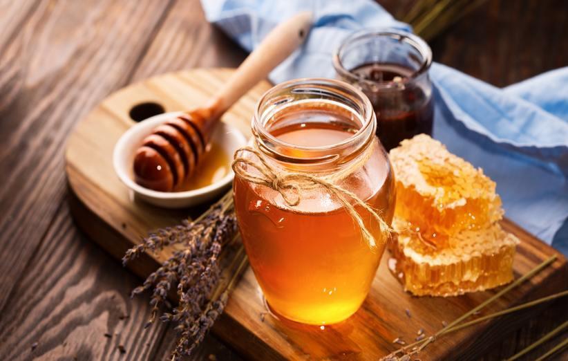 درمان زخم با عسل؛ چگونگی، فواید و عوارض جانبی