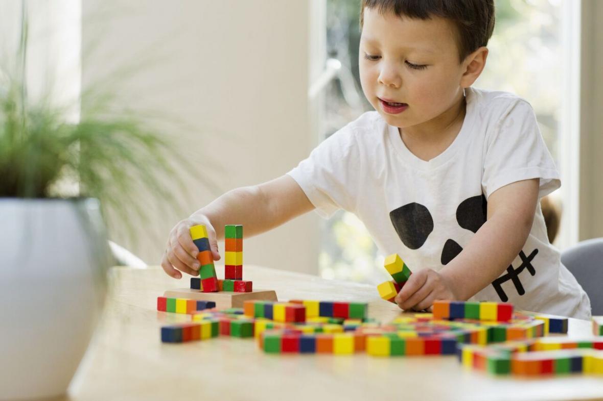 اختلال اوتیسم در فرزندان و مسائل خانه نشینی