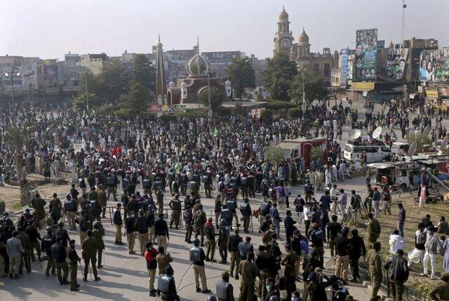 تظاهرات گسترده مخالفان دولت در مرکز پاکستان