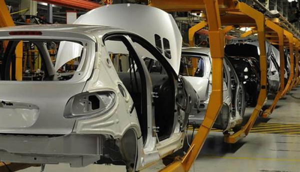 کاهش موجودی انبار خودروسازان ، رشد مثبت تولید صنعتی متوقف شد