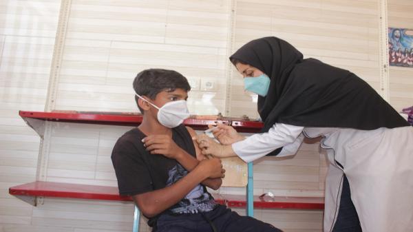 طراحی ویلا سنتی: دانش آموزان باغملکی علیه بیماری کرونا واکسینه می شوند